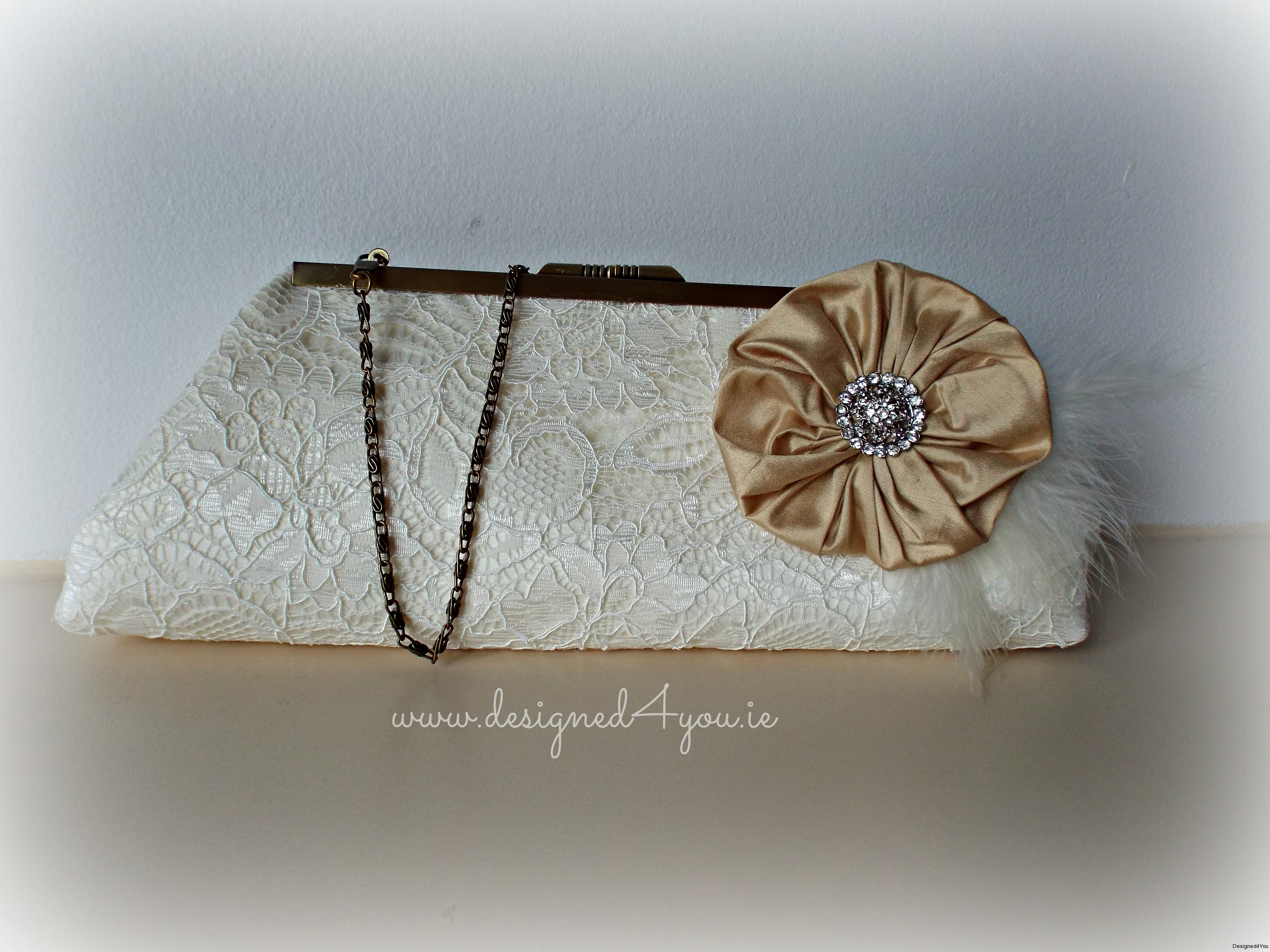 Venus Lace with Brooch